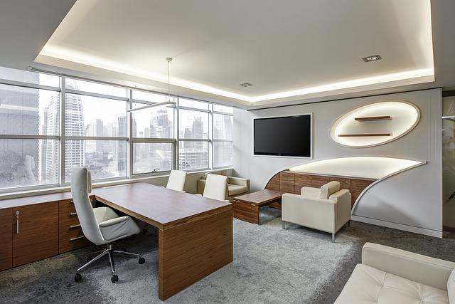 prostklená kancelář